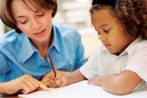 איך להפוך את הכנת שיעורי הבית למהנה ולא מתסכלת?